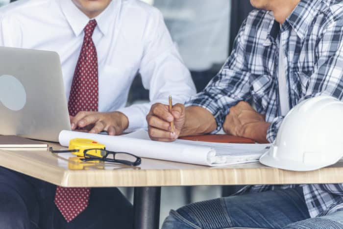 contractor-meeting-with-construction-engineer
